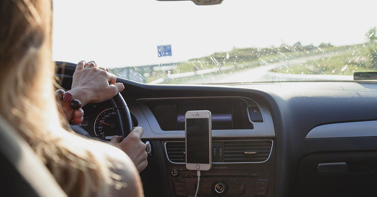 vezetés közben